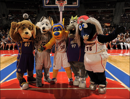 Houston_comets_mascot_haley_2