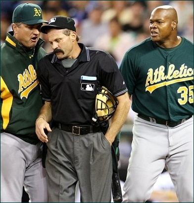 Home_plate_umpire_bill_hohn