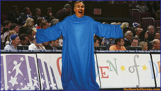 Mike-d'antoni-wearing-snuggie