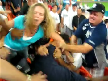Yankee-Marlins-Fan-Fight