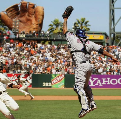 Henry Blanco hearts gigantic baseball gloves