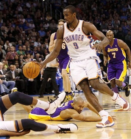 Lakers Thunder carcusses